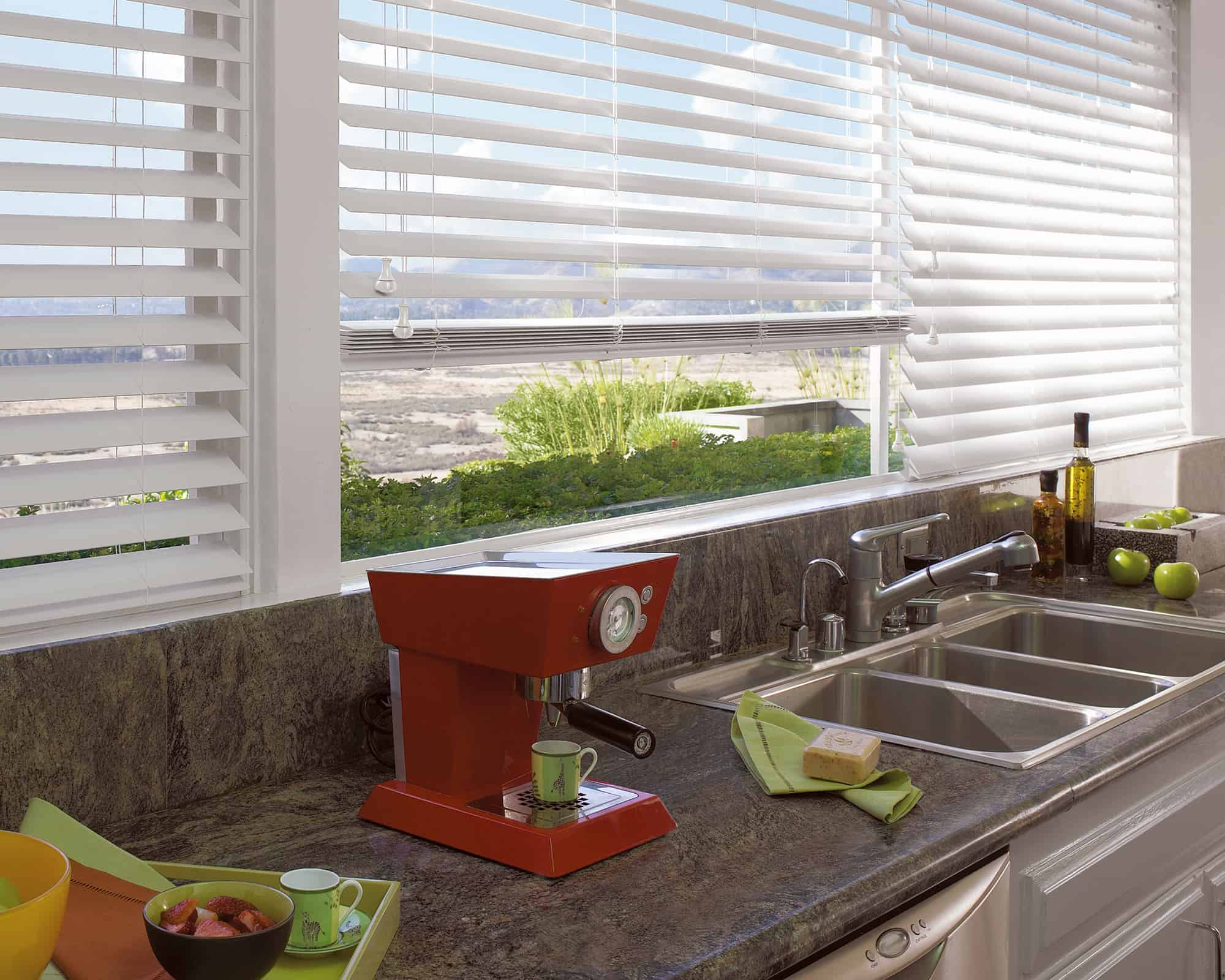 wood_blinds_kitchen_3
