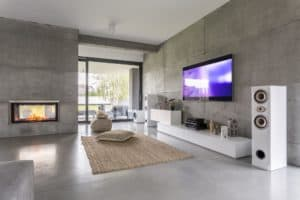 Tv living room with window