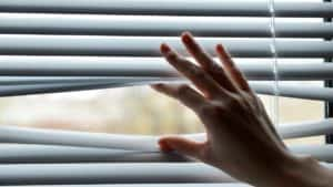 female handing separating blinds